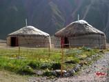 Юрты в Базовом Лагере