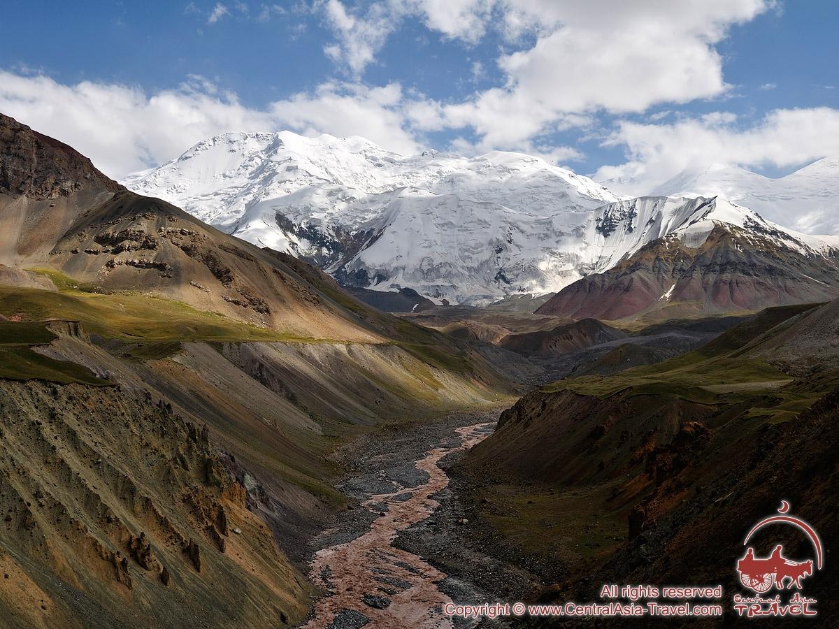 Пик XIX Партсъезда (5945м). Памир, Кыргызстан