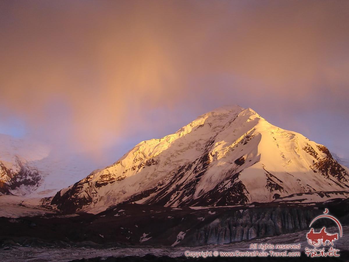 Comprehensive Peak (5547 m). Pamir, Kyrgyzstan