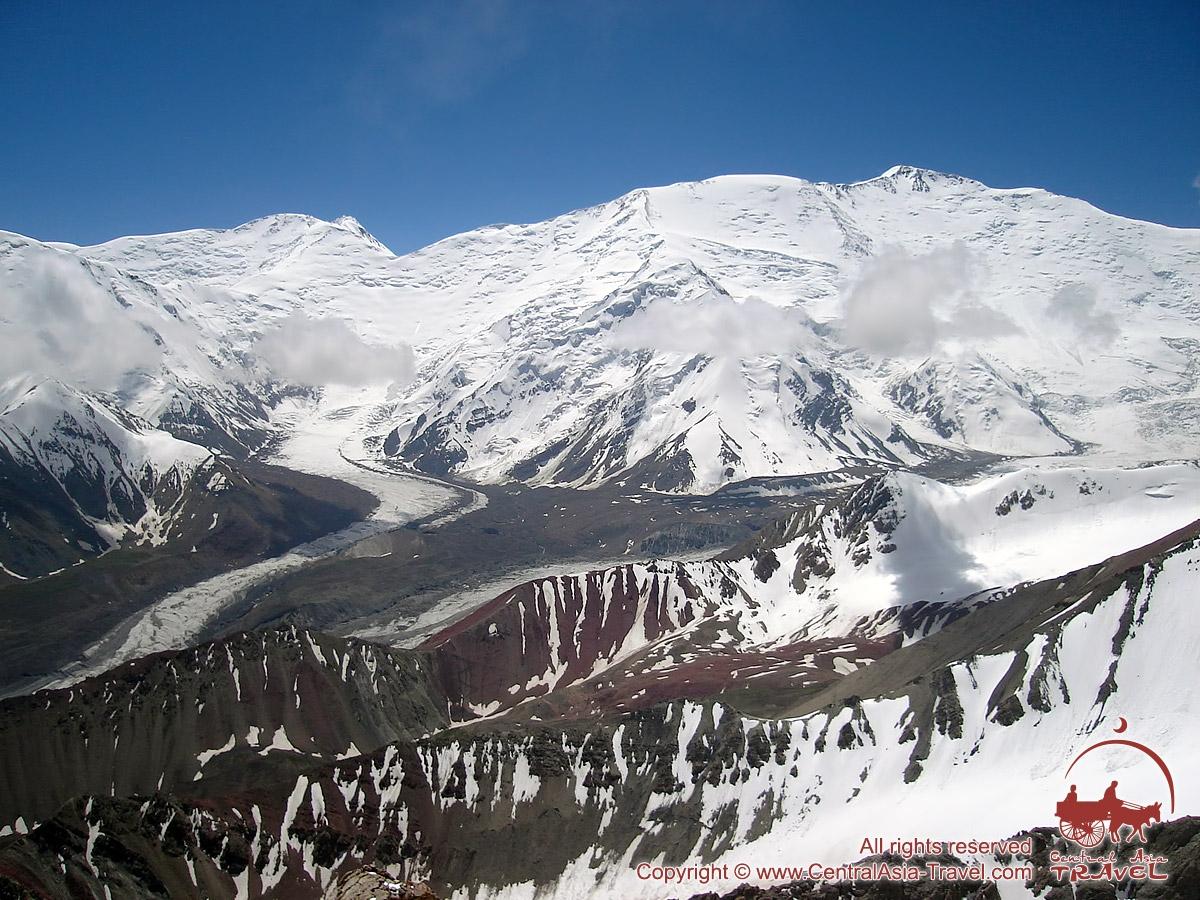 Пик Ленина (7134 м). Памир, Кыргызстан