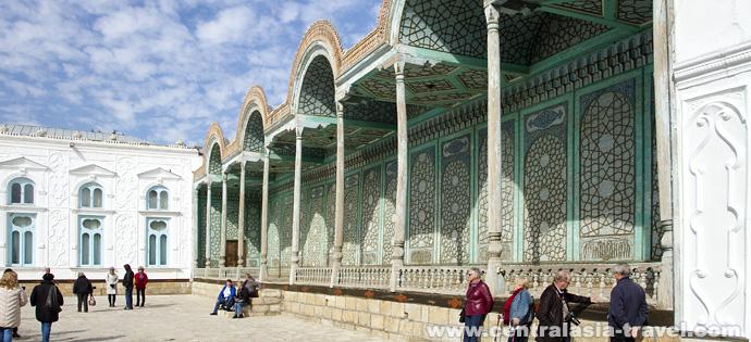 Terrasa del Palacio de verano Sitora-i Mohi Hosa, Bujará, Uzbekistán. Viaje a Uzbekistán