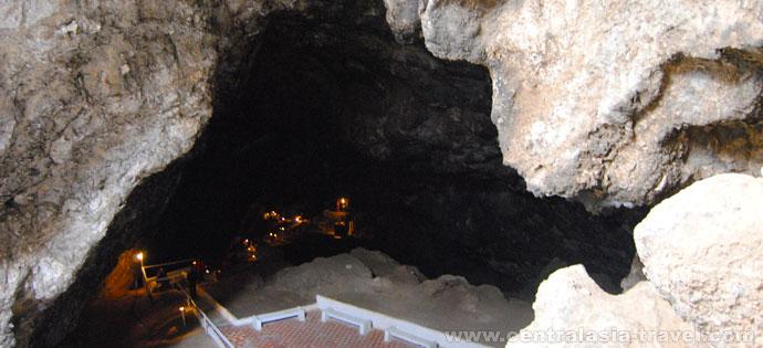 Kow-Ata underground lake