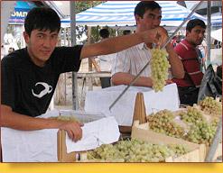 Базар (рынок) Чорсу. Ташкент, Узбекистан