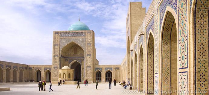 Мечеть Калян, внутренний двор. Бухара. Туры в Узбекистан