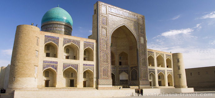 Mir-i Arab Madrasah. The architectural complex Po-i-Kalyan. Bukhara, Uzbekistan, tour to uzbekistan, Gastronomic Tour, culinary tour, great silk road