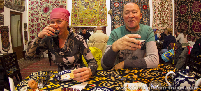 Tea drinking. Bukhara, Uzbekistan, oriental dastarkhan, tour to uzbekistan, Gastronomic Tour, culinary tour, great silk road