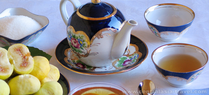 Juego de té. Cocina nacional uzbeka. viaje a uzbekistán, viaje gastronómico, gran ruta de la seda