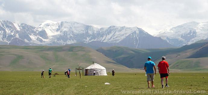 Юрты местных жителей, тур в Кыргызстан