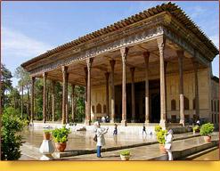 Дворец Чехель-Сотун (XVII в.). Исфахан, Иран