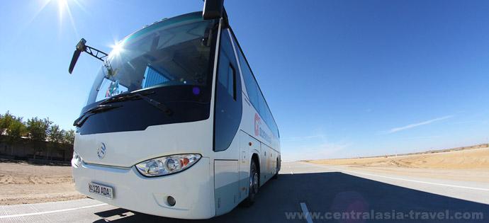 По дороге в Бухару из Хивы, Узбекистан. Туры в Узбекистан