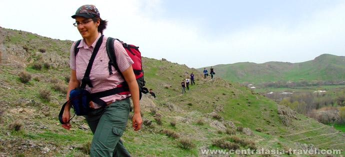 Пешая прогулка вокруг поселка Верхний Хаят, Узбекистан. Туры в Узбекистан