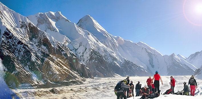 Трек вдоль ледника Иныльчек
