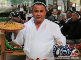 Lepyoshka de Samarkand. Non - pain ouzbek. Cuisine nationale ouzbek