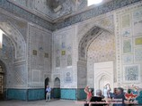 The main room of the Kok-Gumbaz Mosque (XV century). Shakhrisabz, Uzbekistan