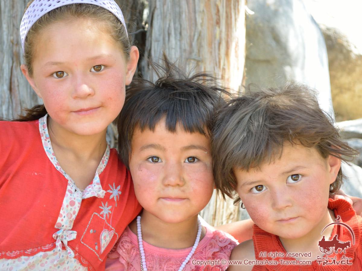 Фото ребенка от русской и таджика