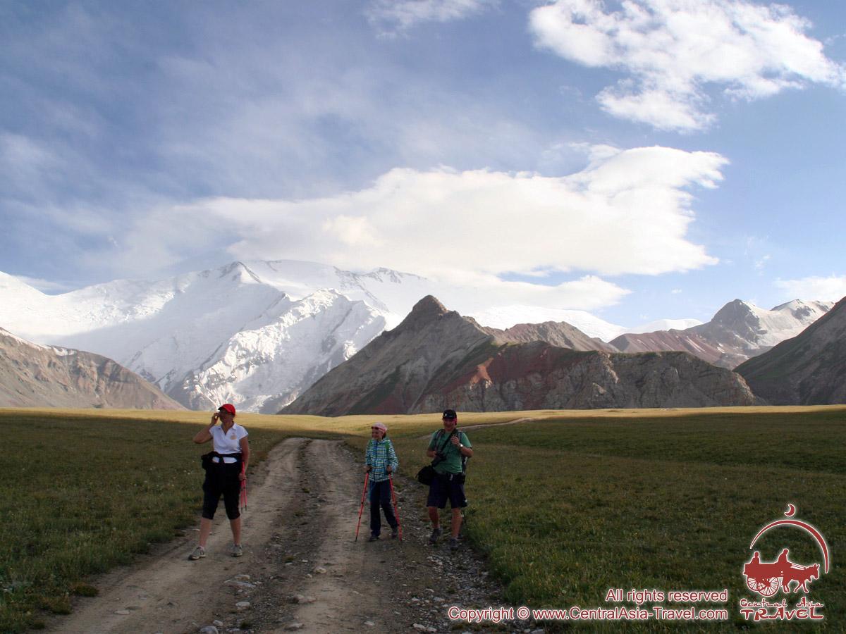 Район Базового Лагеря (3600 м) компании «Central Asia Travel». Пик Ленина, Памир, Кыргызстан