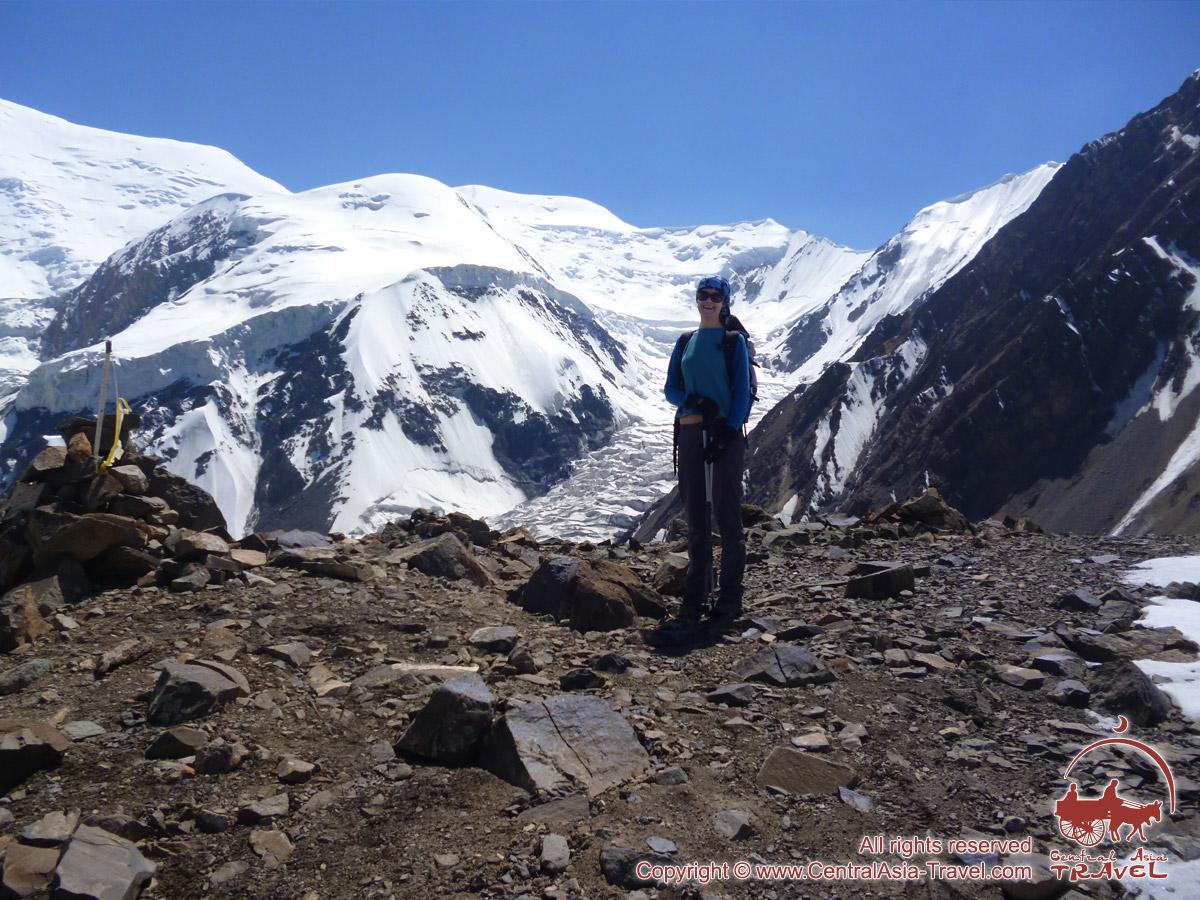 Район Первого лагеря компании «Central Asia Travel». Пик Ленина, Памир, Кыргызстан