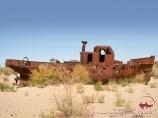 Корабль в песках на Аральском море