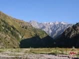 Переход к слиянию рек Кызыл-Суу и Курумду. Тянь-Шань, Кыргызстан