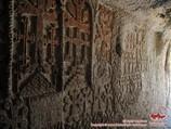 Гекард.- барельефные стены пещерного монастыря