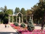 Памятник Курманджан Датке. Бишкек, Кыргызстан