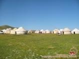Юртовый лагерь на берегу озера Сон-Куль (Сонкёль). Нарынская область, Кыргызстан