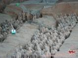 Терракотовая армия внутри мавзолея Цинь Ши Хуан