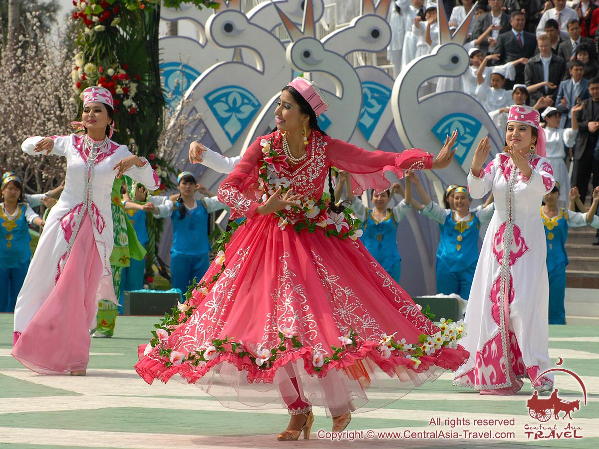Фото новогодние праздники в ташкенте 6