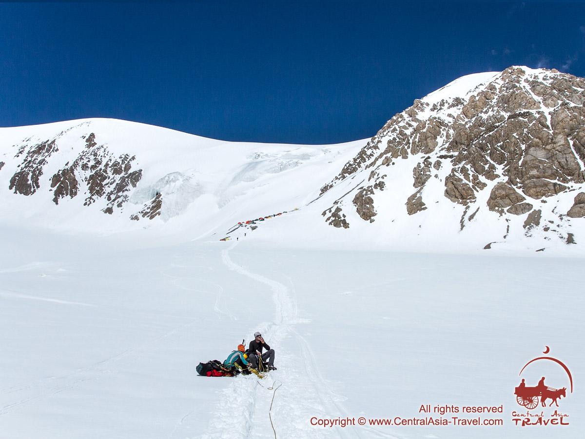 По дороге во второй лагерь. Пик Ленина, Памир, Кыргызстан