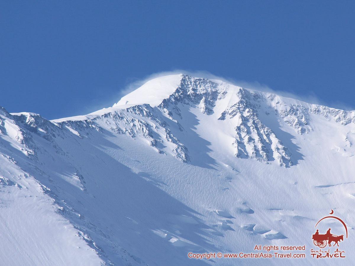 Вершина пика Ленина (7134м). Памир, Кыргызстан