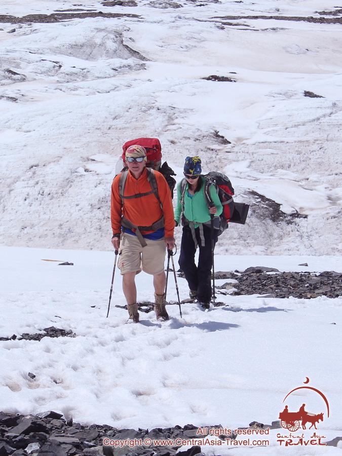 Подъем в первый лагерь (4400м). Пик Ленина, Памир, Кыргызстан
