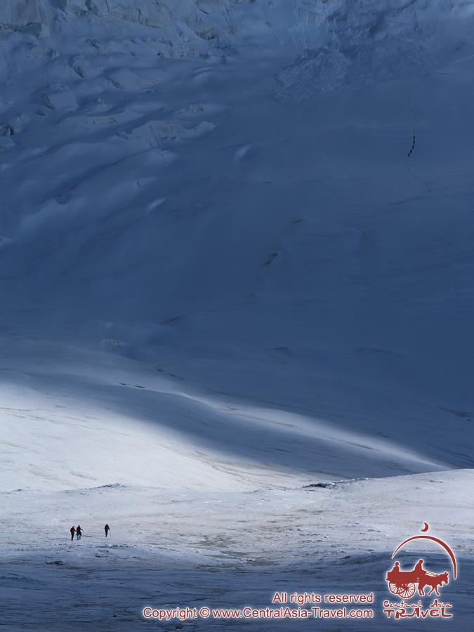 Подъем во второй лагерь (5300м). Пик Ленина, Памир, Кыргызстан