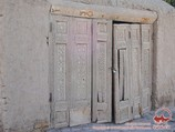 Резная дверь в Бухаре. Узбекистан