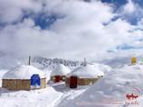 Campo 1 (4400m) de la compañía «Central Asia Travel». Pico Lenin, Pamir, Kirguistán