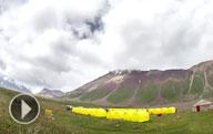 Umgebung des basislagers (3600 m) unterhalb des pik Lenin. Waldort Atschik-Tasch, Gebirge Pamir-Alai, Kirgisistan