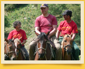 A cheval vers les célébres lacs de l`Ouest de Tien-Shan
