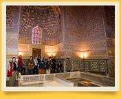 Parte interior del Mausoleo Gur-Emir (tumba de Amir Temur). Samarkanda, Uzbekistán