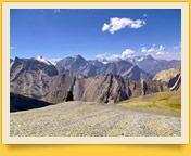 Вид на долину реки Сабах с перевала Удобный (4140 м)