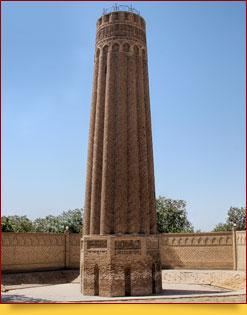 El minarete de Jarkurgan. Termez, Uzbekistán