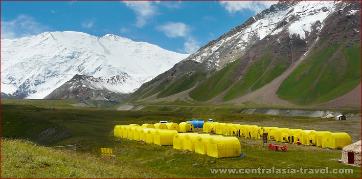 Basislager (3.800 Meter hoch)