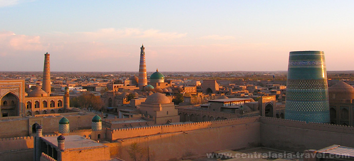 Закат. Панорама Хивы, Узбекистан, туры в Узбекистан, гастрономический тур