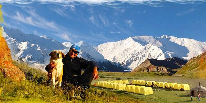Vacaciones activas de familia en las montañas del Pamir