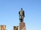 Monument à l'Amir Timur à Сhahrisabz