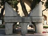 Ляух (подставка для Корана халифа Османа). Мечеть Биби-Ханым (конец XIV века), Самарканд, Узбекистан