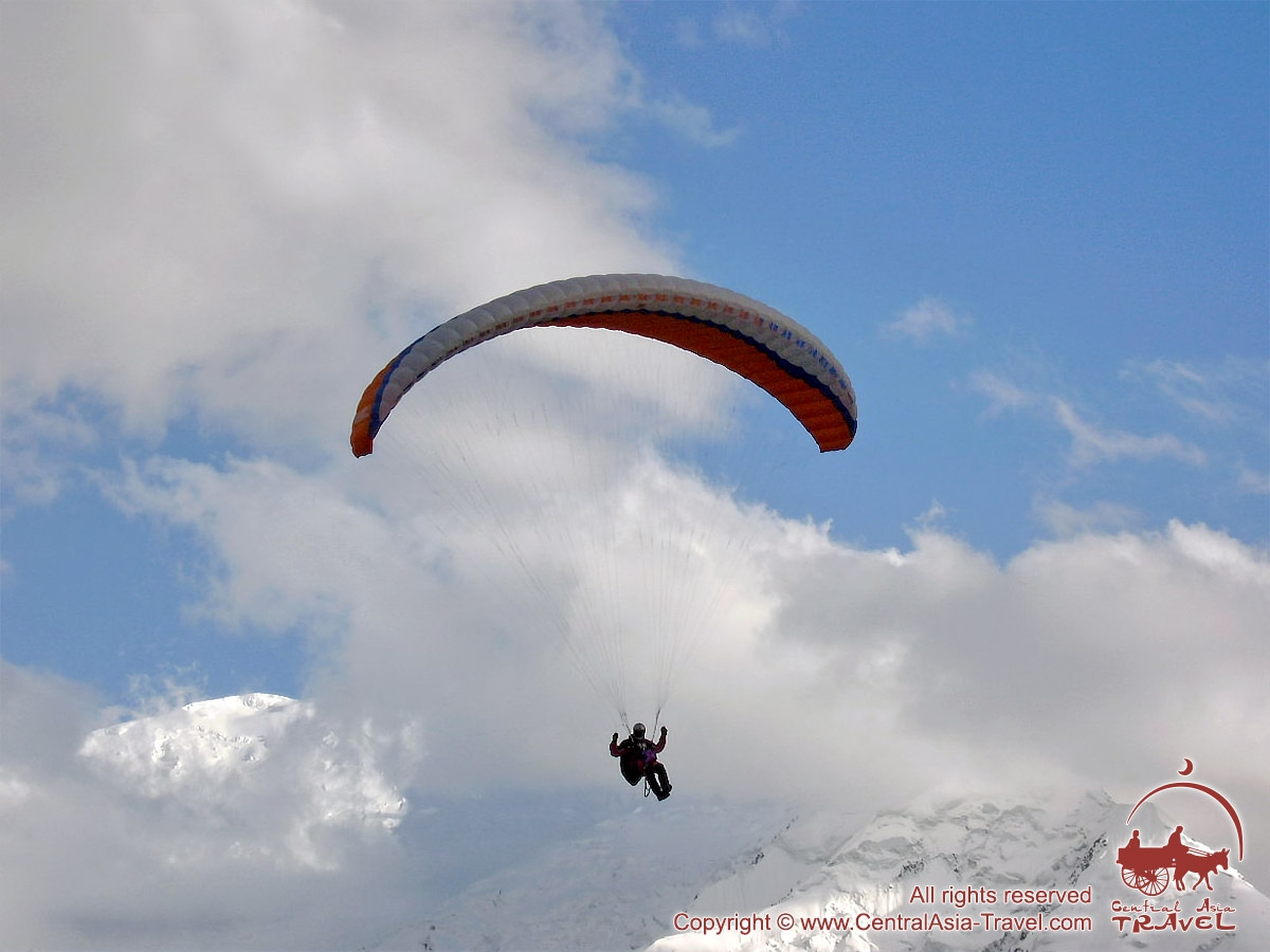 Paragliding in the base camp of Lenin Peak