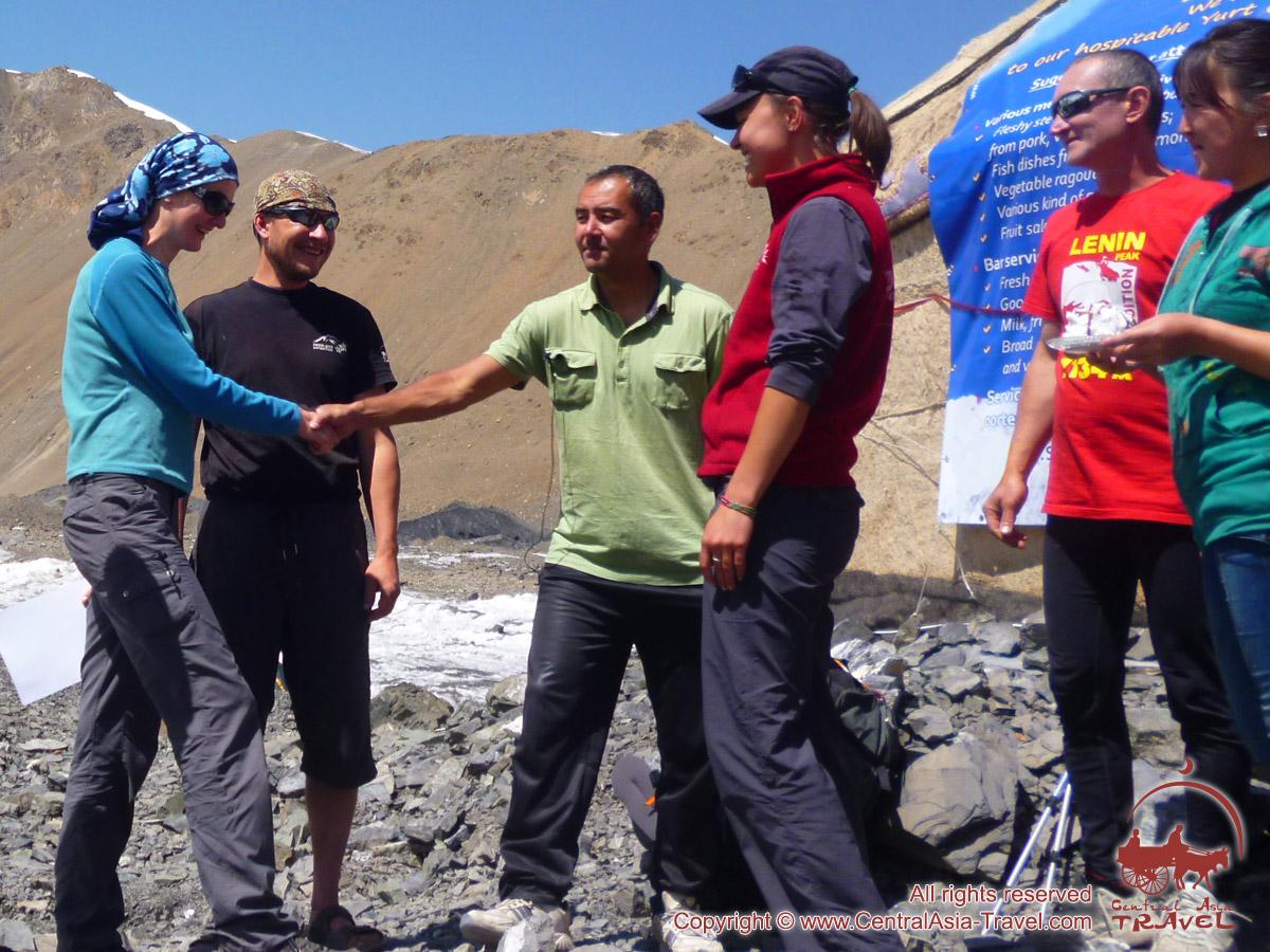 Dans le camp 1 du Pic Lénine. Pamir, au Kirghizistan