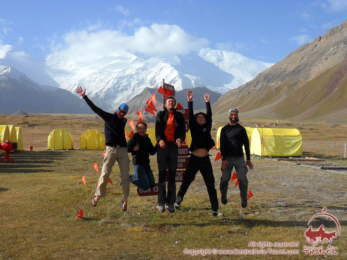 Das Basislager des Pik Lenin (3600 m). Pamir, Kirgisistan