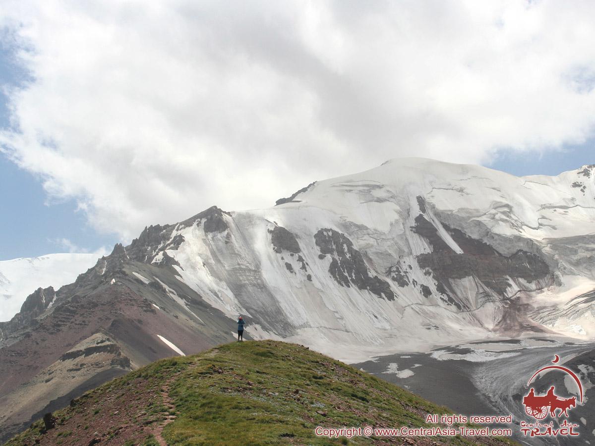 The ridge of Petrovskiy peak. Pamir, Kyrgyzstan