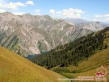 The descent to the lake Sary Chelek from the pass Ashuu. Tien Shan, Kyrgyzstan
