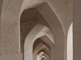 Галерея внутреннего двора мечети Калян (XV в.). Комплекс Пой-Калян. Бухара, Узбекистан